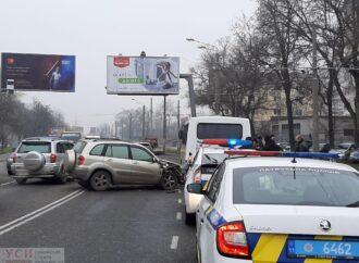 Авария с участием маршрутки в Киевском районе Одессы спровоцировала пробку