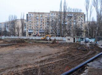 Стройка на проспекте Глушко в Одессе может возобновиться: суд временно снял арест с высотки