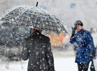 Ожеледиця, замети і налипання снігу: синоптики в Одеській області попереджають про погіршення погодних умов