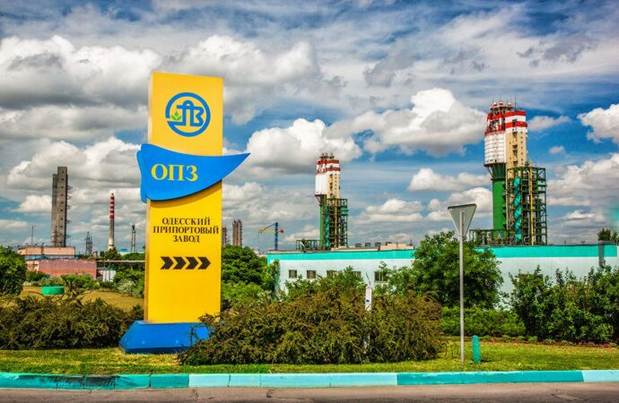 Новопризначений керівник Одеського припортового заводу просить знизити йому зарплату у 10 разів