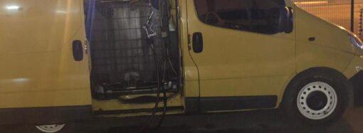 В Одесі чоловік переобладнав своє авто під пересувну АЗС (фото)