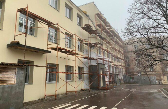 У центрі Одеси проводиться капітальний ремонт у школі (фото)