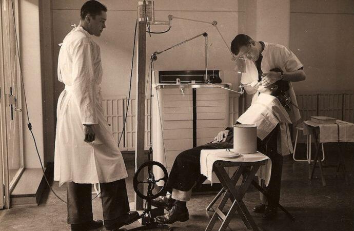 Как лечили зубы в старой Одессе: пломбы из платины и технологии XXI века