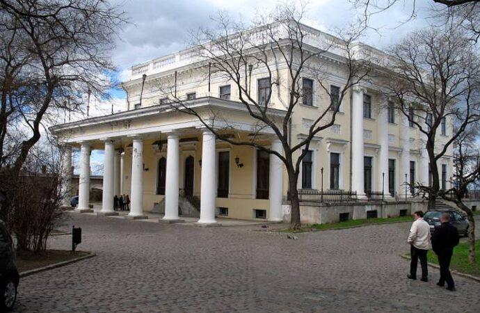 Ограда Воронцовского дворца в Одессе: как ее уничтожали и где искать «следы»?