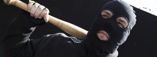 В Одному зі спальних районів Одеси приїжджі пограбували одесита