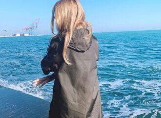 Популярная ведущая в Одессе презентовала книгу и прогулялась у моря с ресторатором (фото)