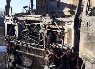 Под Одессой пылал грузовик с семечками: есть жертвы (фото)