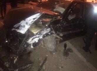 На Черемушках в Одессе пьяный водитель устроил массовое ДТП