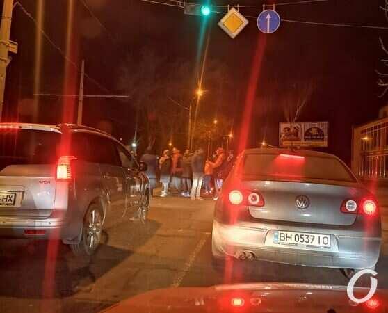 Жители Одессы перекрывали дороги, требуя включить электричество