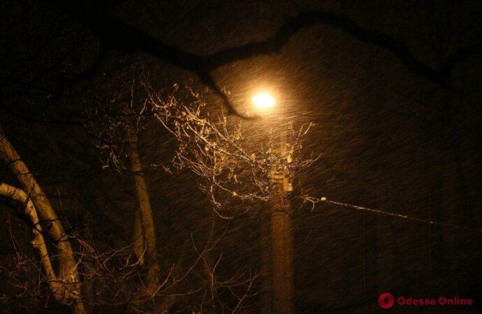 Сильний дощ, мокрий сніг і шторм: в Одесі розпочався перший снігопад (фото, відео)