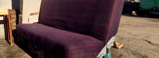 """Бамперы, диваны и стройматериалы: что несут одесситы на """"крупногабаритную"""" свалку (фото)"""