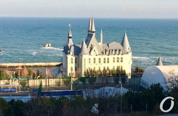 Пляжи за заборами: соблюдают ли в Одессе закон о свободном доступе к побережью?