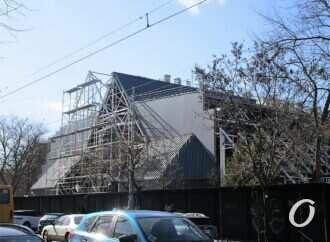Бывшая Цветочная галерея на Преображенской: что происходит за ограждением?