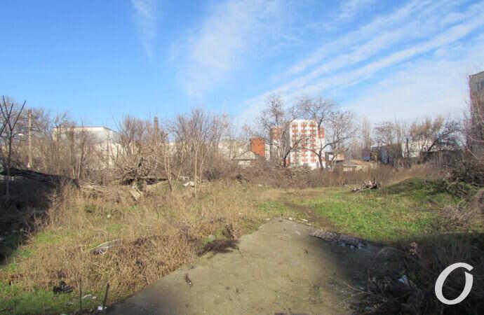 Два заброшенных пустыря в Одессе планируют превратить в скверы
