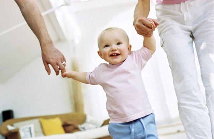 Министр соцполитики в Одессе рассказала об увеличении выплат за усыновление ребенка