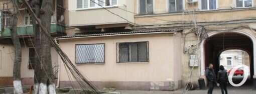 Фасады одесских домов очистят от проводов