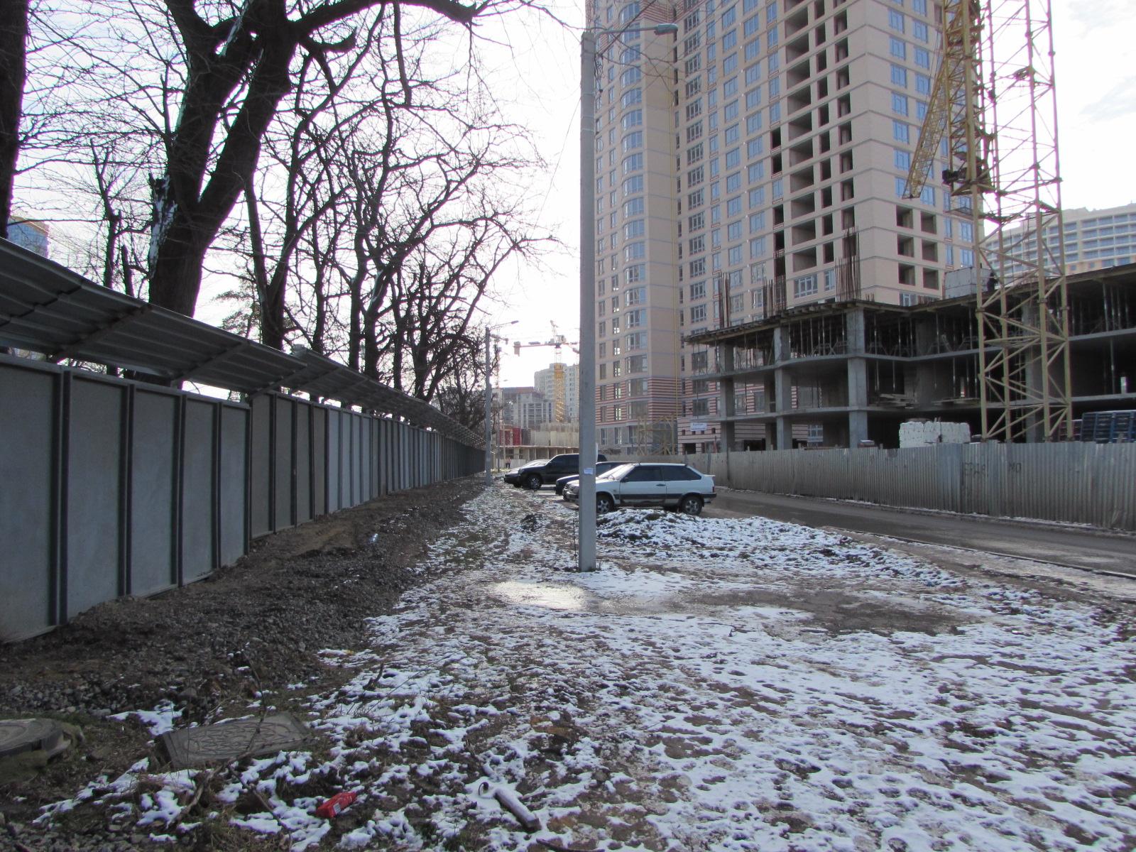 Вся территория Гагаринсокго плато занята строительными площадками