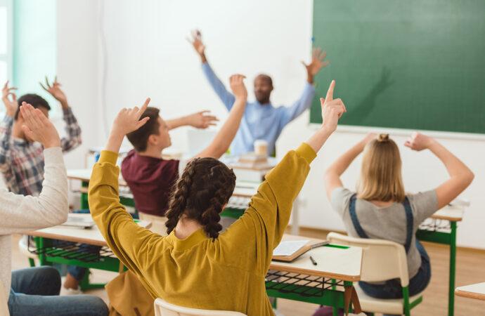 У понеділок – в школу: карантин в Одесі завершено, школярі повернуться на навчання
