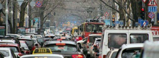 Одесса – город пробок: ежедневно тянучки «съедают» почти час жизни одесситов