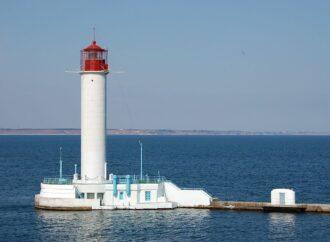 Одеський порт і Воронцовський маяк офіційно визнані туристичними об'єктами