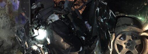 Смертельная авария в Одессе: автомобиль Audi влетел в стену дома