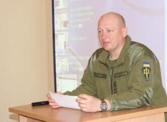 Командувач морської піхоти оцінив випускників Військової академії в Одесі (фото)