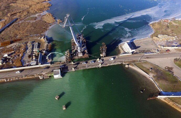 Бездонная стройка: когда закончат возводить мост через Сухой Лиман