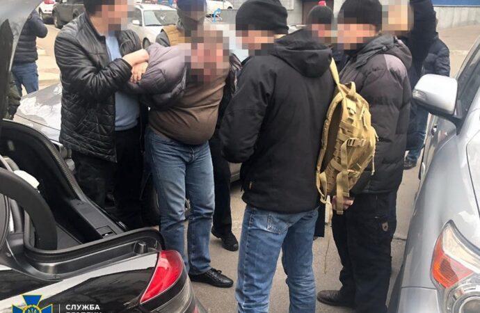 Директора одеського держпідприємства затримали за вимагання півмільйона гривень