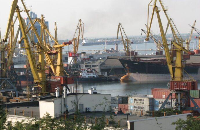 Через збитковість два порти в Одеській області віддадуть інвесторам