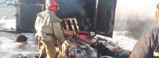 В Одесской области загорелся микоравтобус