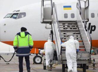 """""""Своих в беде не бросают"""": губернатор Одесской области отреагировал на ситуацию вокруг прибывшего из Китая борта"""