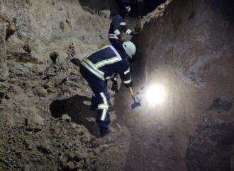 На берегу лимана под Одессой двое мужчин погибло в результате оползня
