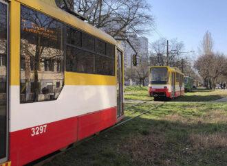 На одесском поселке Котовского устроили забастовку против ограничений в транспорте (видео)