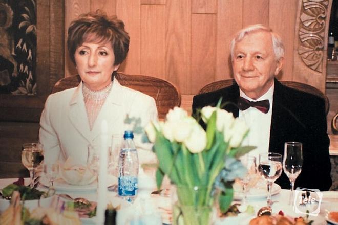Со второй женой Лианой