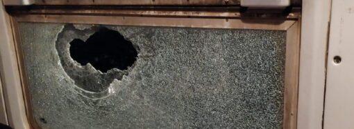 Розбите вікно у вагоні: поїзд Одеса – Київ під час руху невідомі закидали камінням
