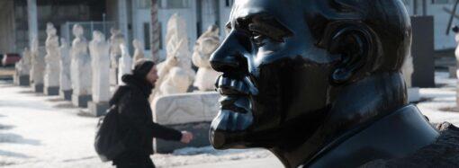В Одесской области показали два свергнутых памятника Ленину (фото)