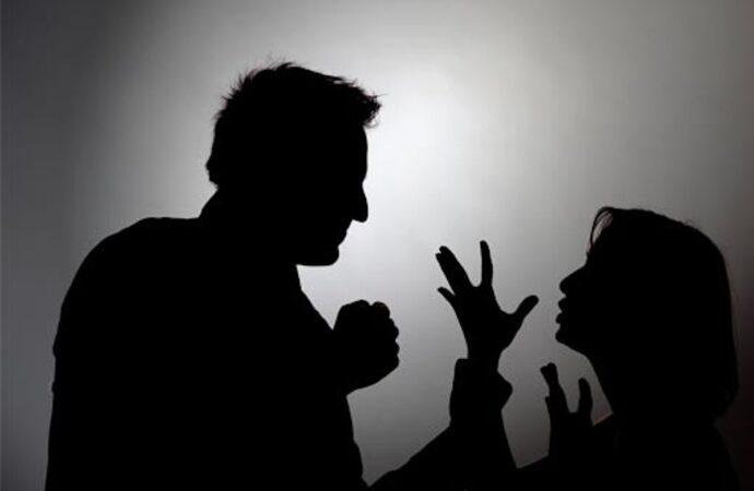 На Одещині під час сварки чоловік намагався задушити власну дружину, а потім кинув у колодязь
