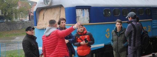 «Укрзалізниця» приостановила движение всех внутренних поездов