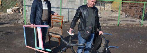 На окраине Одессы появилась новая свалка для мебели и техники (фото)