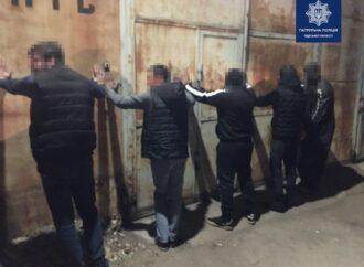 В Одесі п'ятеро зловмисників під виглядом покупців викрали автомобіль у чоловіка, який намагався його продати
