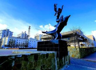Люби театр и мой руки: одесская Музкомедия продолжает настраивать горожан на позитив