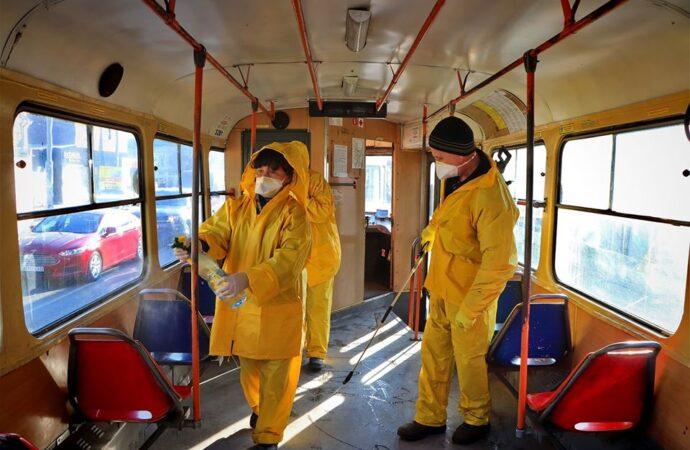 Дитячі майданчики, транспорт та бювети: Одеські комунальники показали, як проводиться системна дезінфекція (фото)