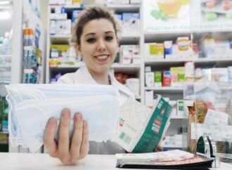 Одесситам рассказали, где есть в наличии защитные маски: список аптек