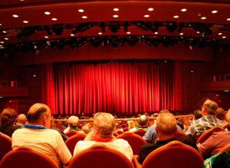 Куда одесситам пойти в праздничный уикенд: театральная афиша города