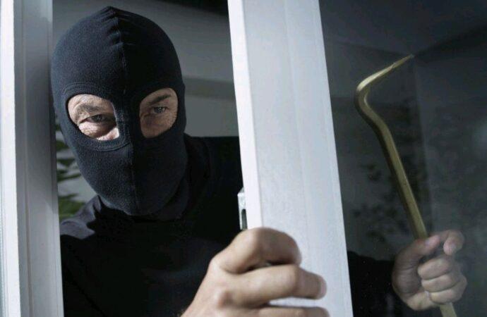 На Одещині зловмисник викрав у пенсіонера майна на 122 тис грн