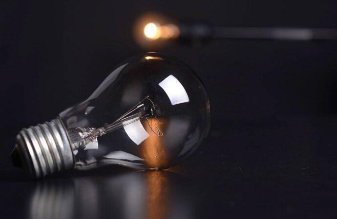 Массовое отключение света в Одессе 10 марта: кому надо успеть зарядить телефон