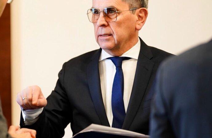 Глава Минздрава предлагает закрыть на карантин кафе и рестораны в Украине