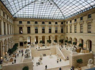 Самоизолируемся с пользой: учимся, читаем, гуляем по музеям и ходим в театр онлайн (ссылки)