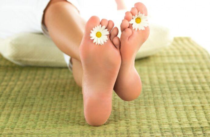 Салон красоты: как просто приготовить дома крем от трещин на ступнях