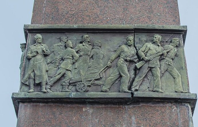 В Одессе разрушается памятник в честь героев-освободителей города